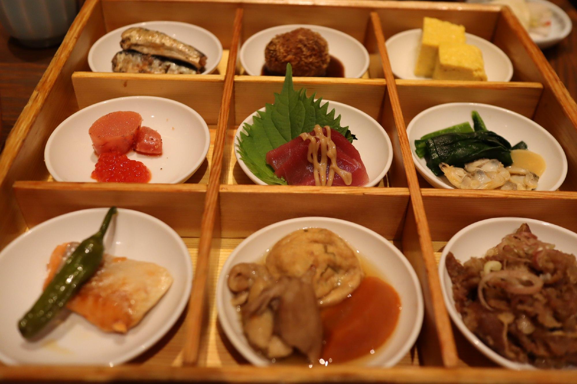 「見た目も味も大満足なおばんざい膳」日本の旬の味 百膳@羽田空港