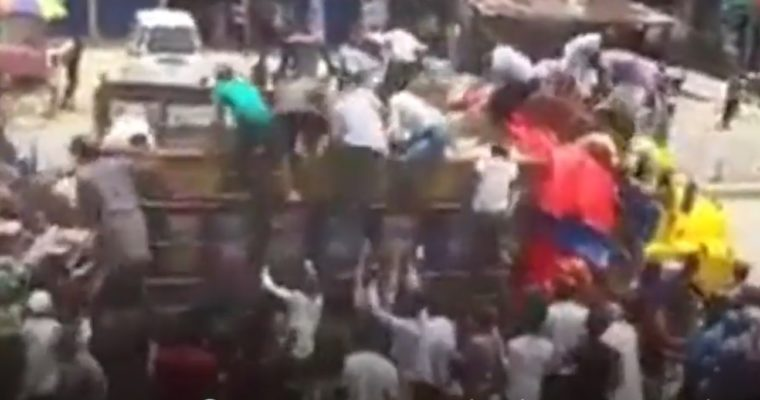 バングラの米騒動?―市民がトラックから救援米を略奪か―
