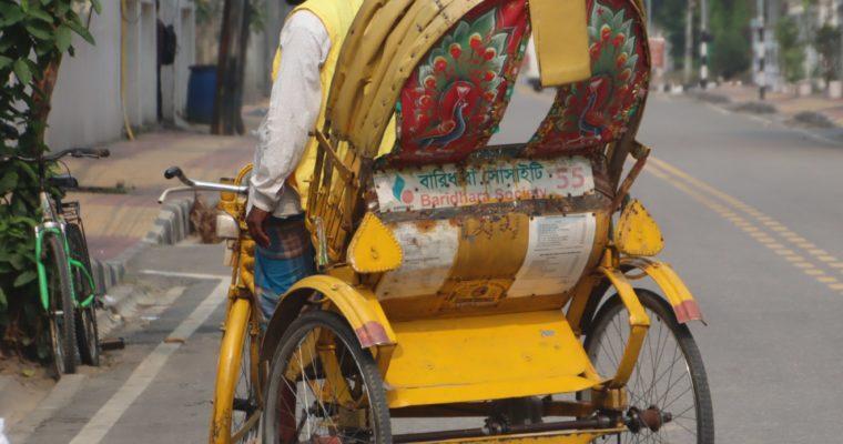 バングラデシュ、外出者への取締りを強化
