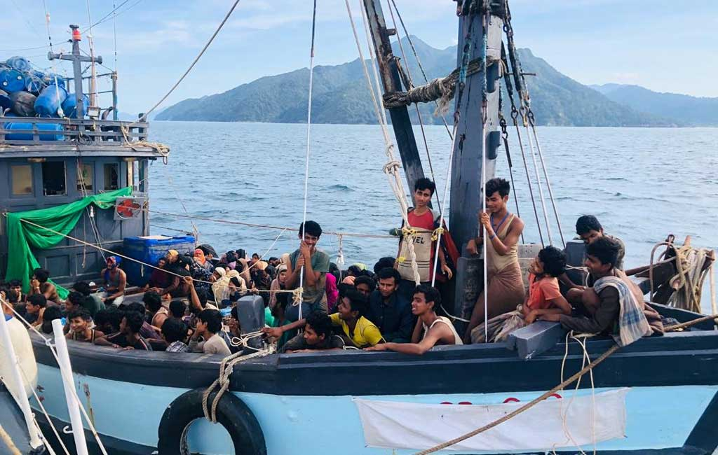 海を彷徨うロヒンギャ難民、今も少なくとも1000人が漂流
