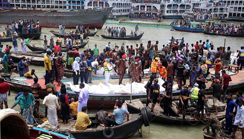 ダッカで船転覆、32人の死亡確認
