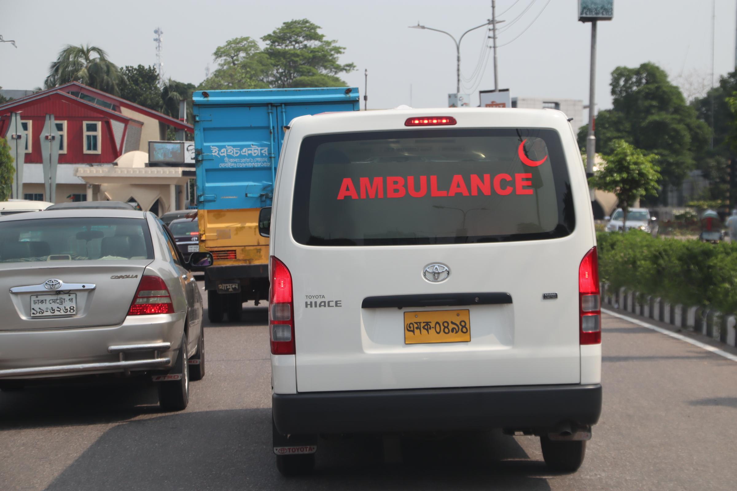 バングラデシュの救急車