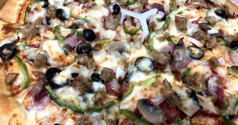 「現地人がプレゼントしてくれたピザ」Pizza Inn@ダッカ・グルシャン
