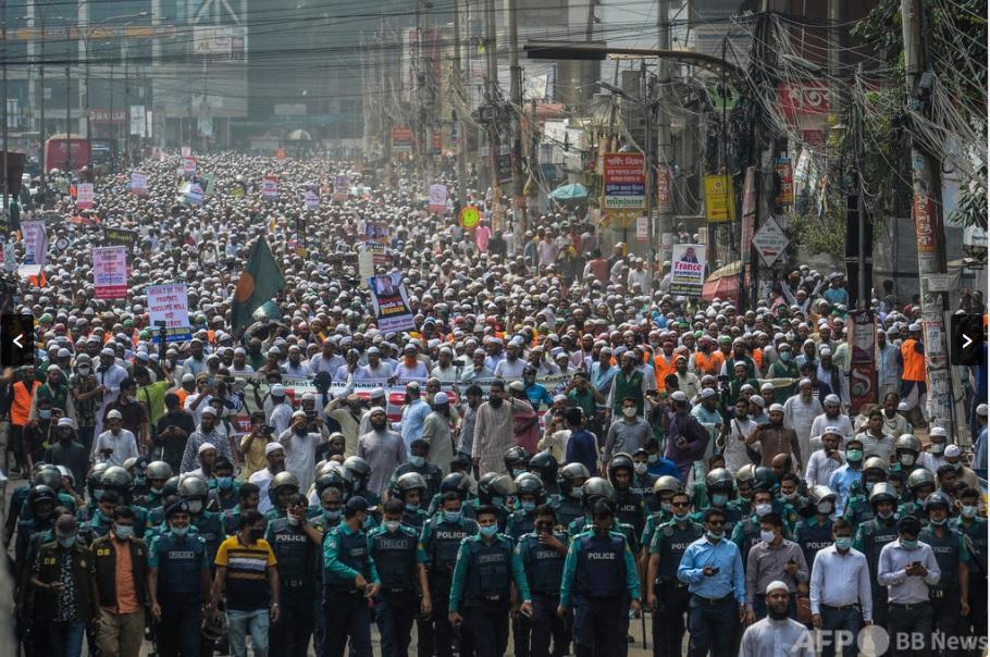 コーラン踏んだとされる男性を群衆が撲殺、遺体燃やす、バングラデシュ北部