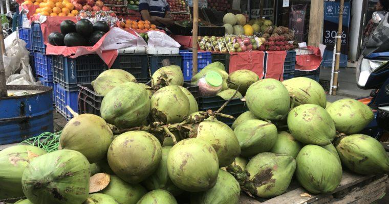バングラ、この季節の果物もなかなか美味しいデシュ