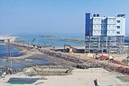 バングラディシュ、中国支援の深海港開発を中止し、日本のプロジェクトを進める