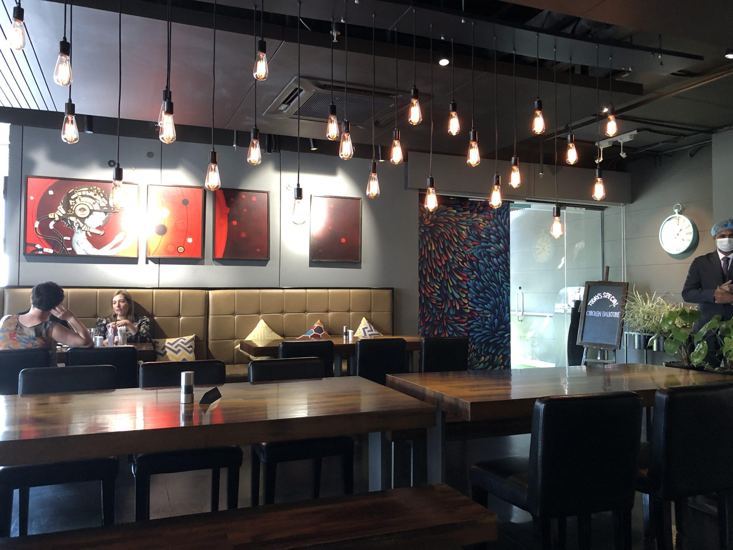 「女子会向きのオシャレなカフェ・レストラン」Bistro E@ダッカ市グルシャン