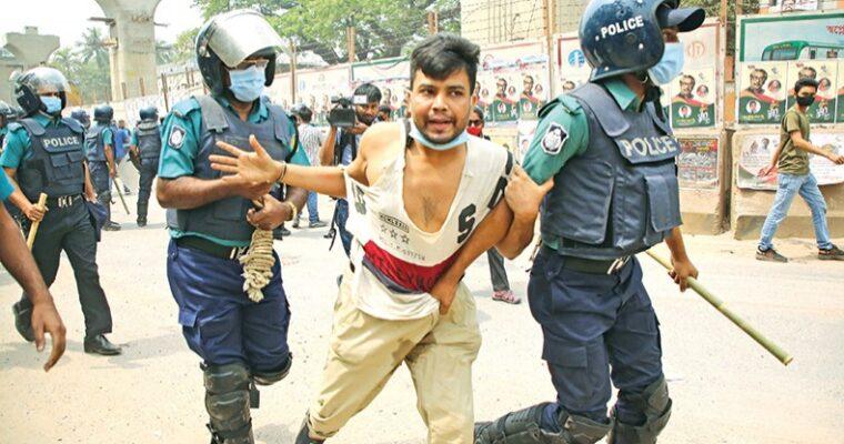 インドのモディ首相訪バに対する抗議デモ、2日間で少なくとも10人が死亡