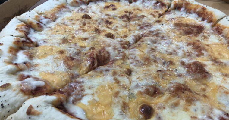 「耳まで美味しいピザ!」PIZZA GUY@ダッカ市