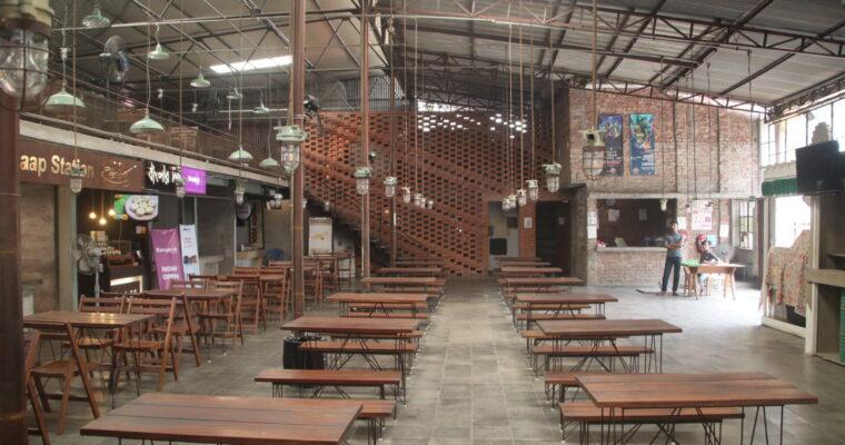 「オシャレな雰囲気のフードコート♬」The Garage Food Court@ダッカ市テズガオン